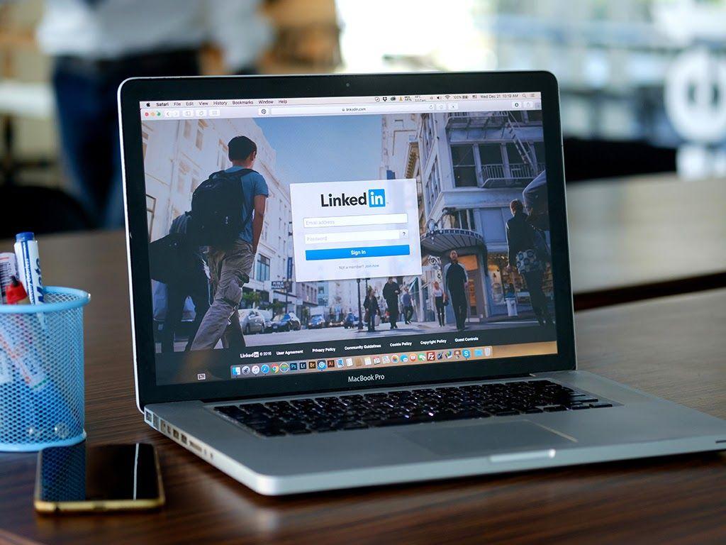 linkedin-computer-image